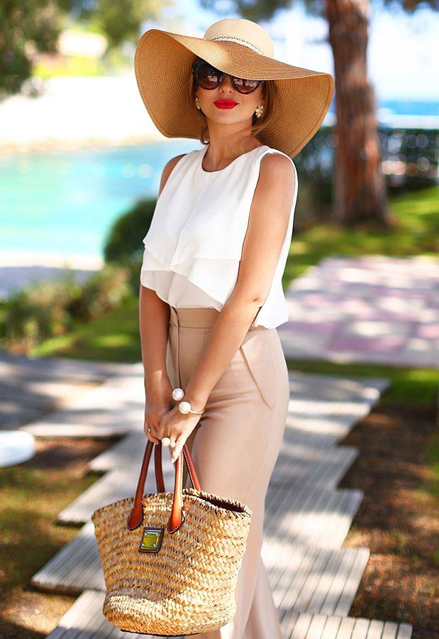 Yana Fisti #hat #classy #nude