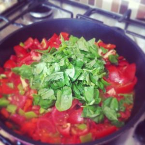 Summer tomato and peppers salsa. So easy to make and great on Salmon with Zoodle #Paleo
