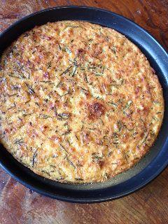 Hier vind je het recept voor Italiaanse Farinata, een soort plat brood, of een pizza. Deze Farinata is gemaakt van kikkererwtenmeel en helemaal Voedselzandloper-proof.