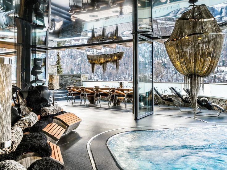 chalet zermatt peak zermatt suisse piscine int rieure jacuzzi lustre monumental panorama. Black Bedroom Furniture Sets. Home Design Ideas
