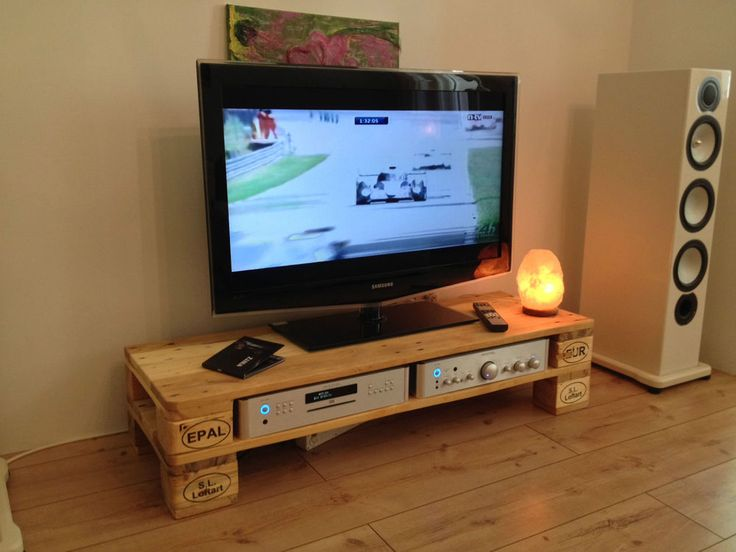 upcycling ultra lowboard tv hifi bank natur aus europalette ca 120x40x30 cm europalety. Black Bedroom Furniture Sets. Home Design Ideas