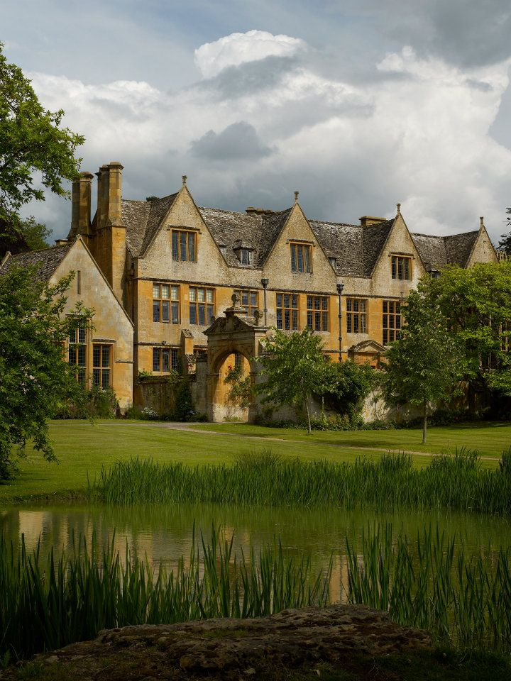 Stanway House & Fountain - Stanway House and Fountain is a historic jacobean manor house and gardens, in the Cotswolds, Gloucestershire, open to the public during the summer months as a visitor and tourist attraction, film location or wedding venue
