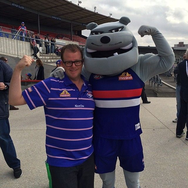 Photo was taken of me at Whitten Oval with the BIG Bulldog #gatherthepack