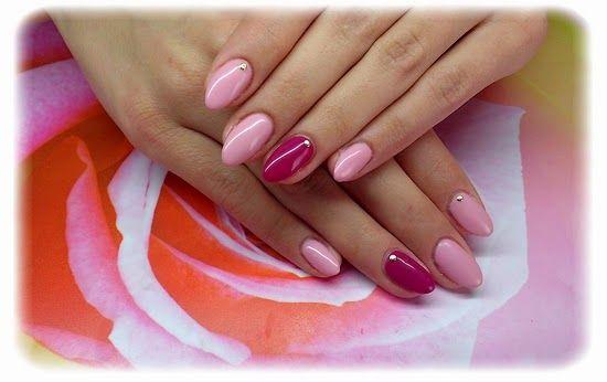 """Paznokcie akrylowe. Najlepszy efekt uzyskamy robiąc je na paznokciach w kształcie """" migdałka"""". ;)"""