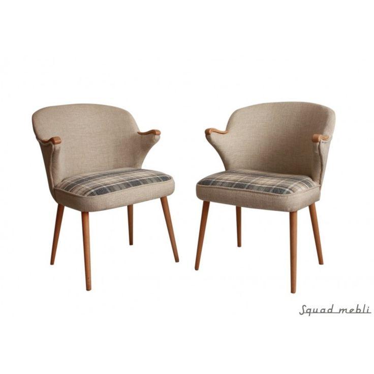 Komplet dwóch duńskich foteli po renowacji.
