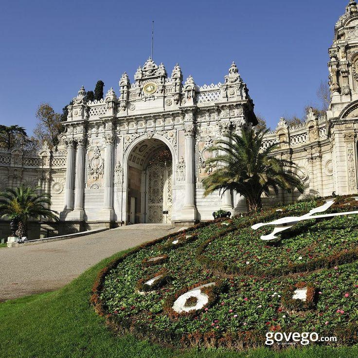 600 yıllık tarihe sahip Osmanlı İmparatorluğu'nun 400 yılı boyunca, devletin idare merkezi olarak kullanılan ve Osmanlı padişahlarının yaşadığı görkemli Topkapı Sarayı'nı görmeyen kaldı mı? :)  ------------------------- govego.com