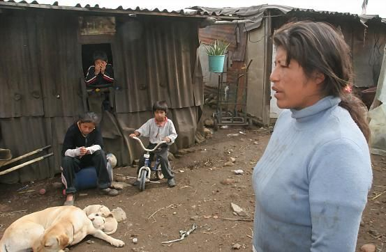 In a lended property, in el paraje de la Mora, Milpa alta is where the Hernandez family have their home. This district is considered by the National Population's Bureau (Conapo) CONAPO as one with extreme poverty in Mexico's Federal District, because it lacks, proper housing, services and education.