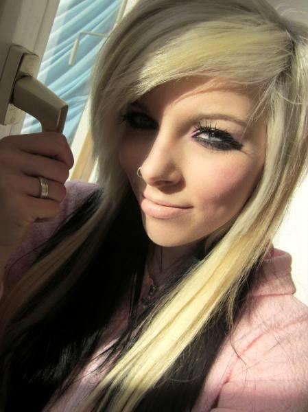 blonde-with-black-emo-hair-hot