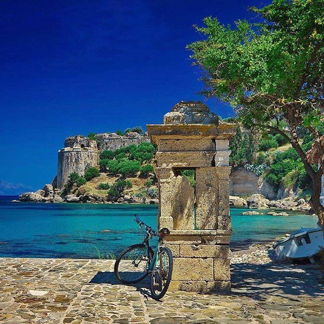 Koroni Castle #loves_greece_ #greecelover_gr #travel_greece #kings_greece #igers_greece #ilovegreece #exquisite_greece #feelgreece #greek_panorama #welovegreece_ #urban_greece #thegreeceguide #heavenly_shotz #athensvoice #super_greece #wonderfulgreece #travel_drops #great_captures_greece