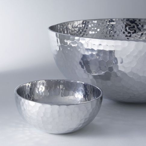 loving this style. hammered metal bowls