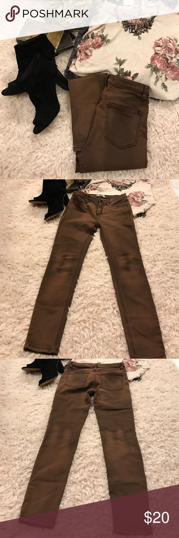 """Free People""  Distressed Brown Skinny Jeans❤️ Very flattering and comfortable jeans!  Love them and hate to part with them I just have too many.  Any other questions, just ask!😘 Free People Jeans Skinny"
