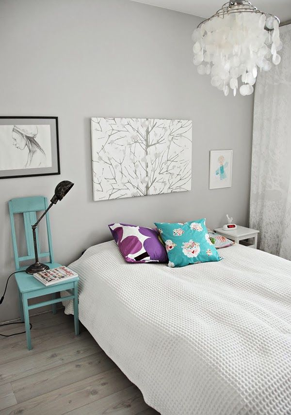 i love  these colours in the bedroom. I must have the light shade!