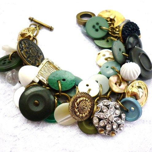 button braceletDiy Ideas, Buttons Charms, Vintage Buttons Bracelets Diy, Bracelets Collection, Charms Bracelets, Grandma Buttons, Necklaces, Buttons Earrings, Random Pin