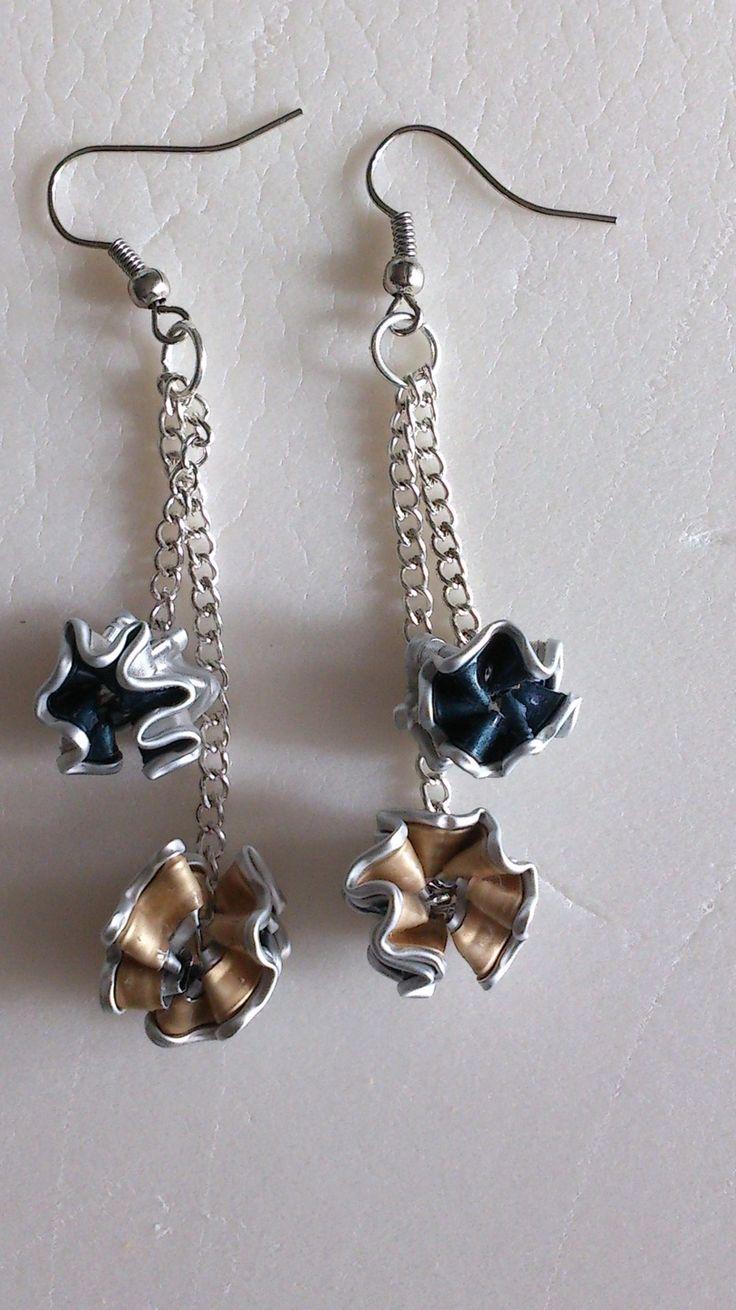 Orecchini Nespresso con due pendenti a forma di palline - Nespresso earrings with two small ball-shaped pendants : Orecchini di si-fa-handcraft