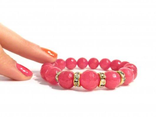 Handmade Bracelet - raspberry pink faceted j jade beads. Find us on: www.labonita.co order: labonita.bizu@gmail.com