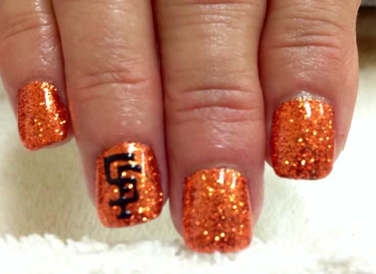 SF Giants nails glitter