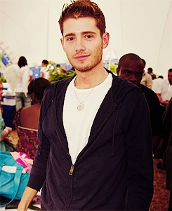 Julian Morris (aka wren from pretty little liars aka prince Philip from once upon a time)