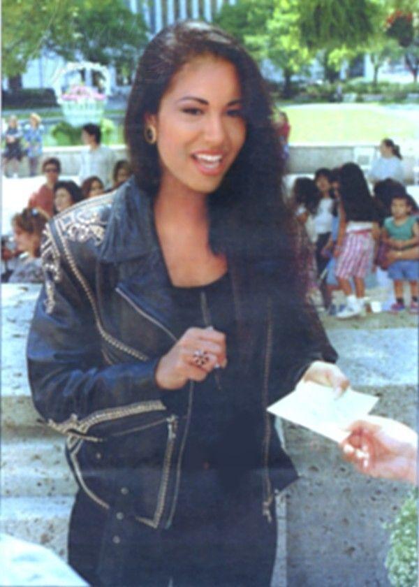 Selena Quintanilla-Pérez More