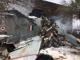 MIG-27 da Força Aérea Indiana caiu sobre casas – Piloto ejetou-se