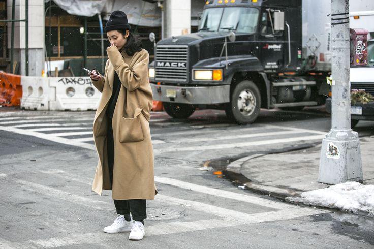 Streetstyle: contornando com estilo a temperatura negativa em Nova York - Vogue | Streetstyle