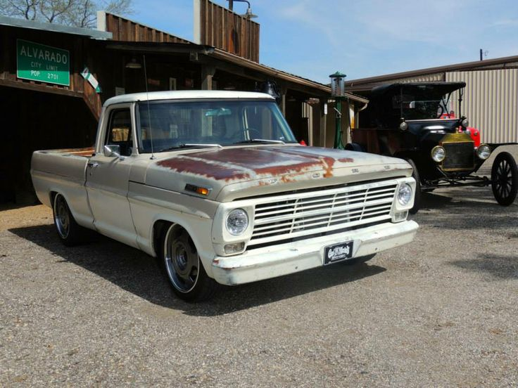 1969 ford f100 redone by gas monkey garage hate all of the modern components but loved how they. Black Bedroom Furniture Sets. Home Design Ideas
