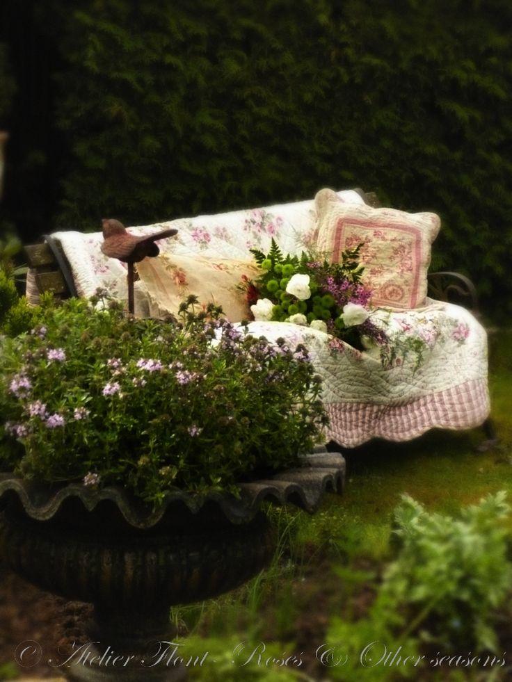 Cosy corner in the garden  Ambiance Jardin  Pinterest
