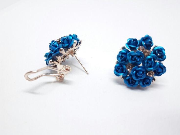 Rosen Ohrstecker Ohrringe in gold mit blauen Blüten NEU
