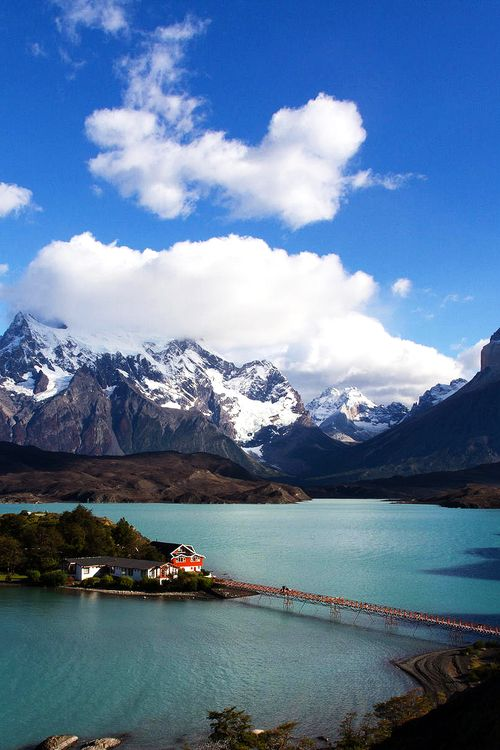 Lake Pehoé, Chile.