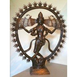 Groot beeld van dansende Shiva Nataraj