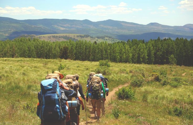 10 Ways To Travel The World On A Shoestring Budget