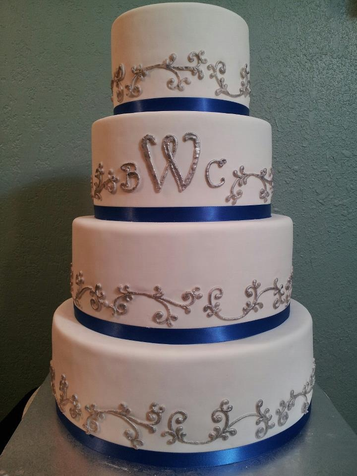 wedding cake blue and silver 31 best blue and silver wedding cakes images on 22025