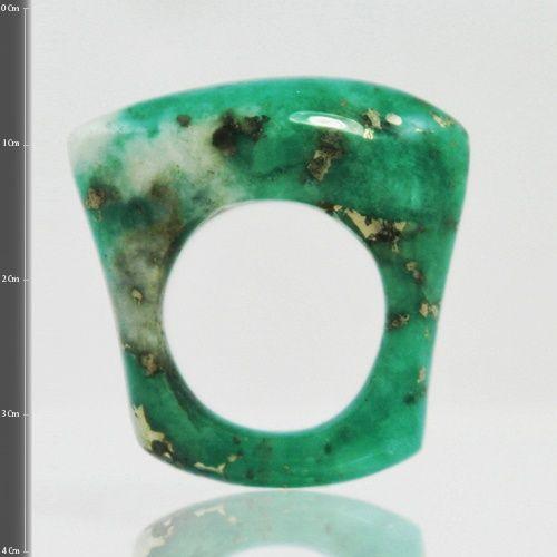 Anillo en esmeralda tipo morralla con una mezcla con pirita y calcita  (Talla 7 ¼ US). RE001 Precio COP $1´053.000  Contactanos www.makla.co. Ring / Colombian Emerald
