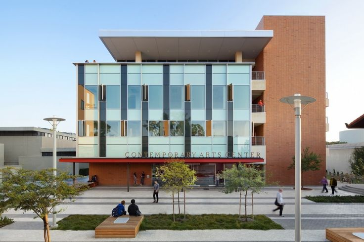 University of California Irvine Contemporary Arts Center / Ehrlich Architects