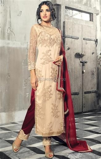 New And Excellent Pakistani Salwar Kameez To Look Like Awe-Inspiring   #PakistaniDresses #DesignersAndYou #PakistaniSuits #PakistaniWear #BestPakistaniSuits #DesignerPakistaniDresses #PakistaniDressesPatterns #StylishPakistaniDresses #PartyWearPakistaniDresses #BeautifulPakistaniDresses #StraightPakistaniDresses #StraightPakistaniSuits #PakistaniDressesOnline #HeavyPakistaniDresses #EmbroideredPakistaniDresses #EmbroideredPakistaniSuits