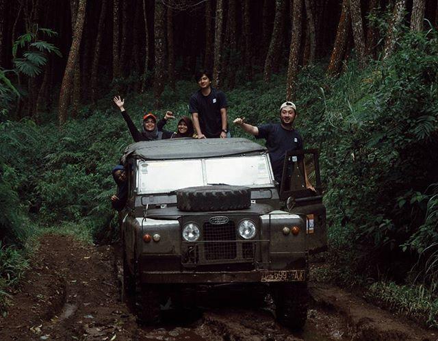 Open trip Fun Offroad Bandung, start from 250k. Info lebih lanjut klik link di profile.  lokasi: Cikole Lembang #jalan2terus