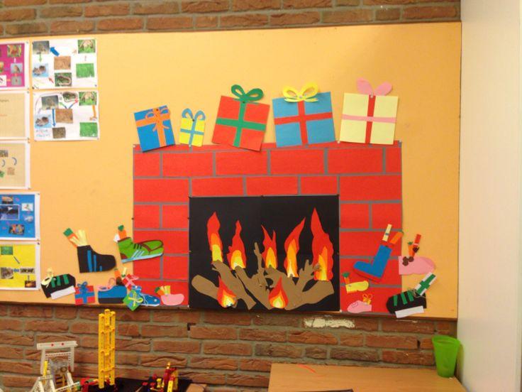 Open haard op het prikbord in Sinterklaas sfeer