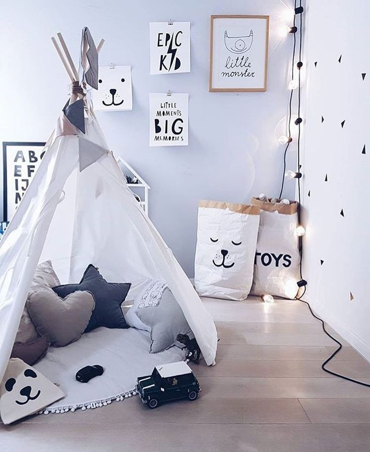 "308 Likes, 5 Comments - @mini_inspirasjon on Instagram: ""So cute 😍 by @lilihalodecoration  Shop the storagebags at @hostedoglilly 👌 #love #boysroom…"""
