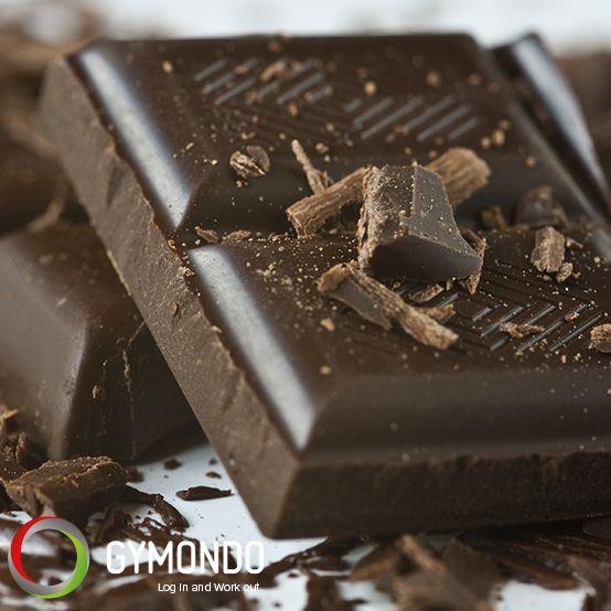 Bitterschokolade - in geringen Maßen soll Schokolade mit mindestens 70 Prozent Kakaoanteil den Blutzuckerspiegel senken und so bei Diäten helfen. Ein zu hoher Spiegel fördert nämlich die Einlagerung von Fett. 2 große Stück haben 76 Kalorien.