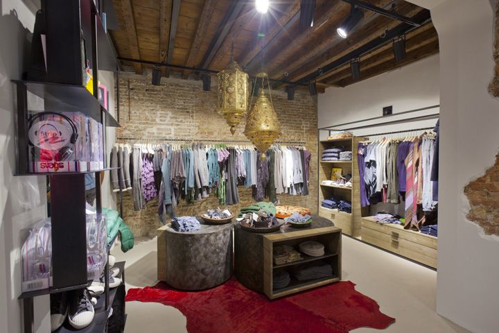 Playlife store, Treviso   Italy store design