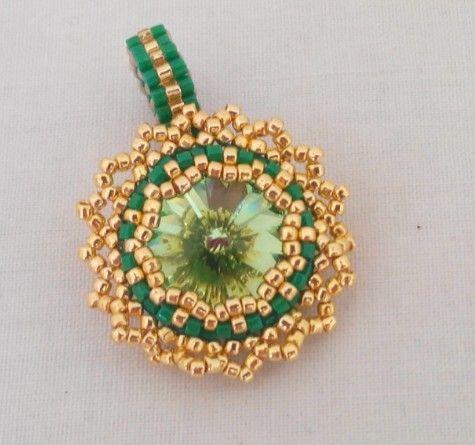 Ring with swarovski rivoli peridot