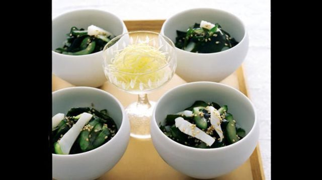 Sumono de concombre, calmar et algue wakame fraîche - L'Express Styles