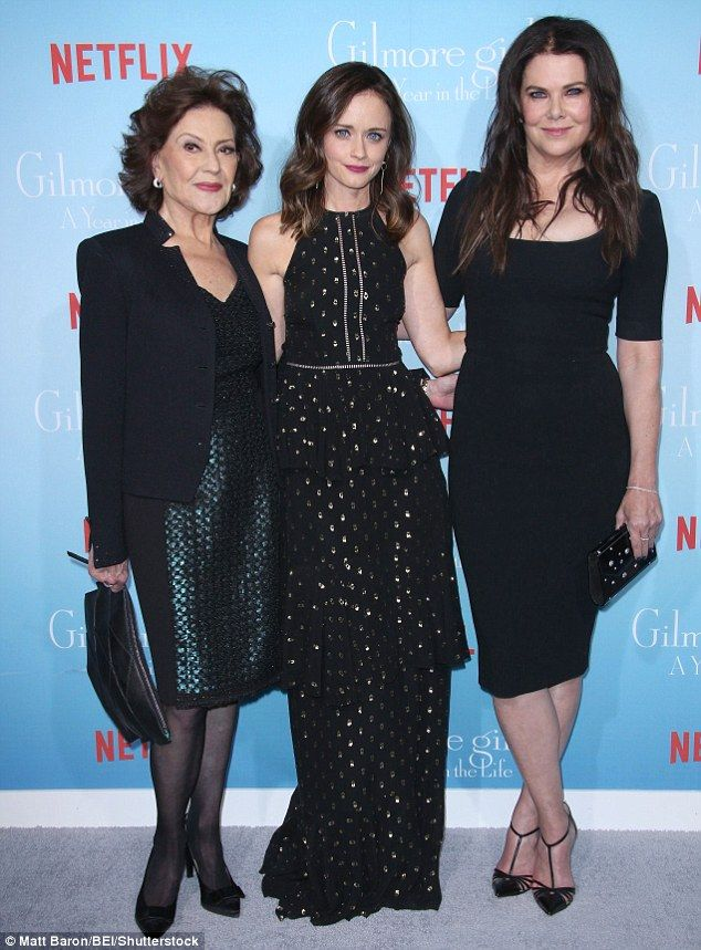 Gorgeous gals! Kelly Bishop, 72, reunited with her on screen daughter and granddaughter as...