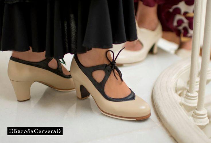 https://www.tamaraflamenco.com/es/zapatos-de-flamenco-profesionales-4 Zapato profesional de flamenco Begoña Cervera Modelo Candor piel beig