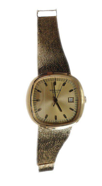Vintage men`s yellow gold Patek Philippe Beta 21 quartz wristwatch, ref #3587/1, circa 1971   http://www.liveauctioneers.com/item/25627324_vintage-yellow-gold-patek-philippe-beta-21-quartz-watch