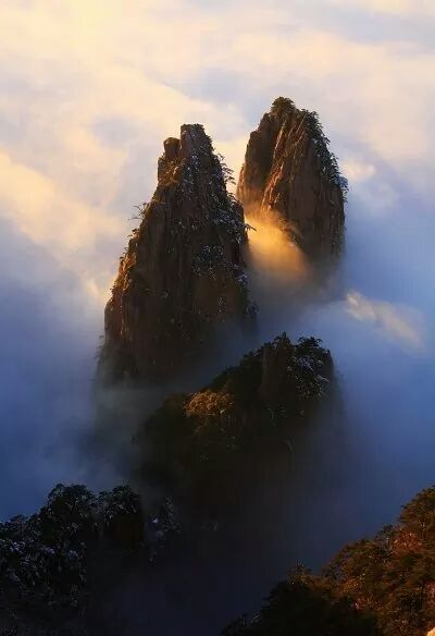 Huang shan in China - via pattaraporn boonchoopirach's photo on Google+