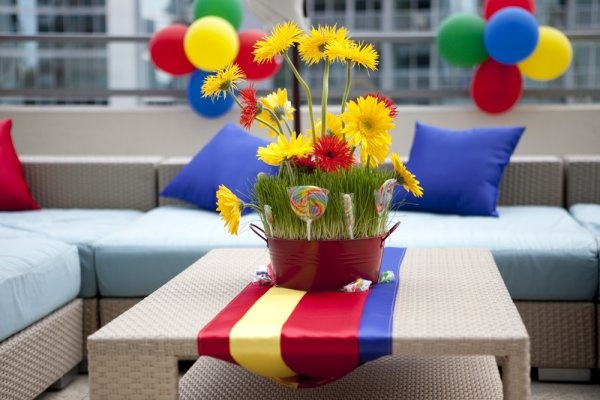 red blue yellow party decor - centerpiece