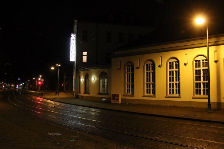 """Hotel """"Schwarzer Bär"""" in Jena bei Nacht"""