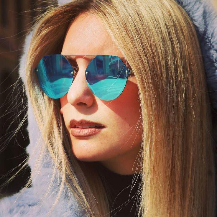 """""""L'anima di una persona è nascosta nel Suo sguardo... Per questo abbiamo paura di farci guardare negli occhi"""" (Jim Morrison) ____  4u4.it Modello Formentera Sky Light Blu. _____ Walking in the city with 4u4.it  Thanks for Starring #carlotta  _____  Original Italian Sunglasses Style  ________  #occhiali #occhialidasole #azzurro #blu #formentera #jimmorrison  #lenti #doors #rock #rolls #stile #moda #giovane #estate #spiaggia #anima #sole #citta #figo #morrison #weekend"""