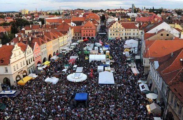 Žatec: la ciudad del templo de la cerveza y el lúpulo.