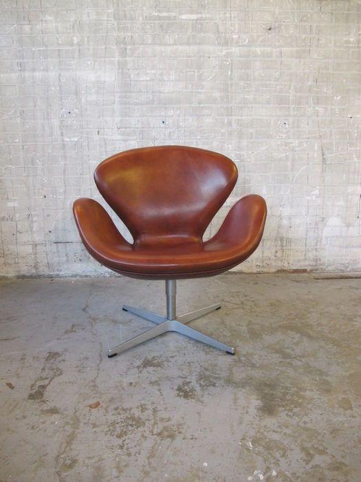 Arne Jacobsen Fritz Hansen - Swan Chair